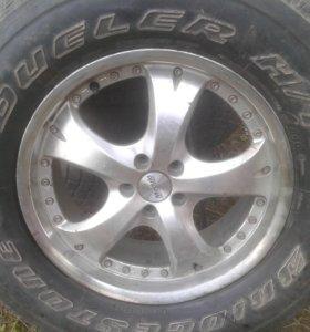 275 / 65 / 17 продам колесо