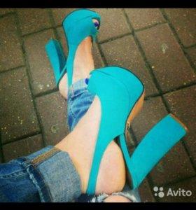 Туфли ,босоножки Schutz