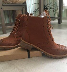 Новые кожаные сапоги весенние