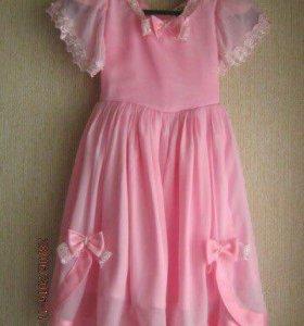 Нарядный платья