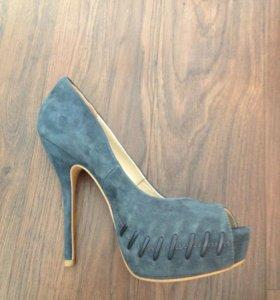 новые замшевые туфли 36-37