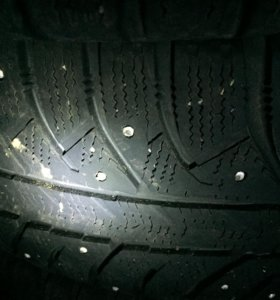 235 65 17 2 шт. зимней шип. резины Bridgestone Ice