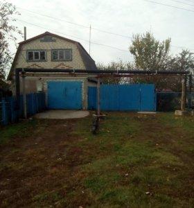 Дом с дачным участком