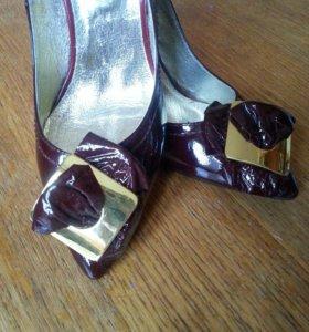 Новые туфли р.37 Заходите в профиль там много чего