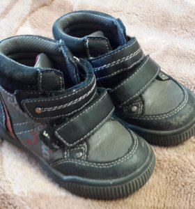 Демисезонные ботинки Ravaretti