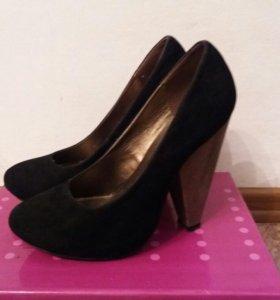 продам туфли на каблуке