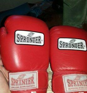 новые боксёрские перчатки,не пользовался