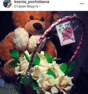 Букеты, корзины цветов из конфет.