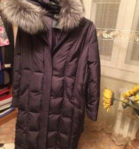 Пальто пуховое(мех чернобурка)