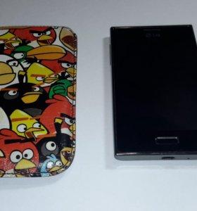 Продам телефон LG-E612+чехол
