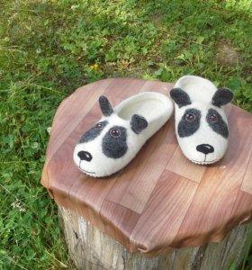 Валяные тапочки-панды  из овечьей шерсти