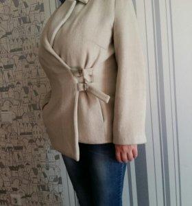 Пальто каротенькое 48-52