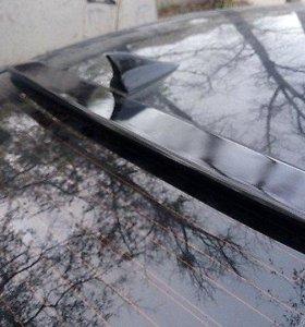 Спойлер на заднее стекло Hyundai Sonata YF