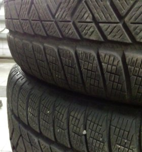 235/60R18 Pirelli Scorpion Winter