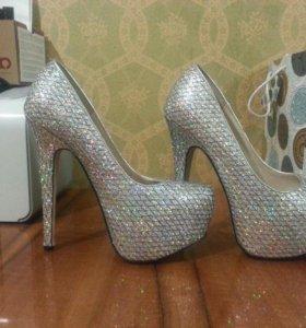 Новые туфли 36-37 размер