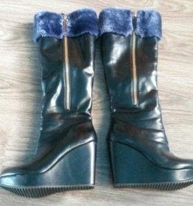 Зимние ботфорты с синим мехом