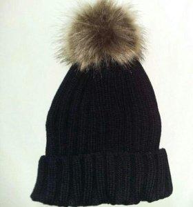 Женская шапка с меховым помпоном новая