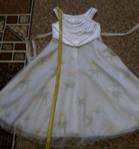 Платья красивое 2шт