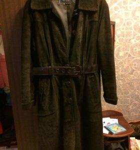 Пальто замшевое демисезонное