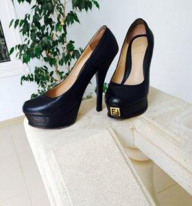 Туфли фенди