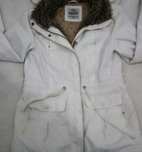 Продаю куртку зимнию