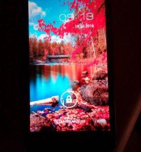 """Fly IQ454, добротный смартфон с экраном 5""""."""