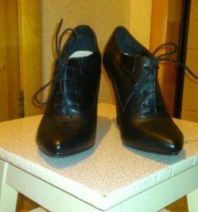 Новые туфли, ботильоны 39-39,5 размер