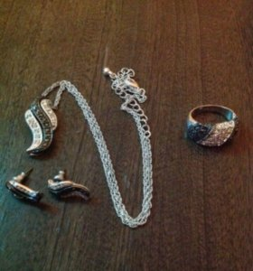 Комплект под серебро (цепочка, кулон, серьги.)