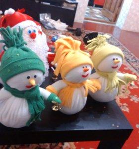 Продаю новогодних снеговиков
