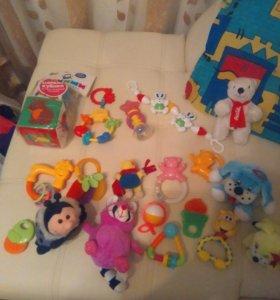 Детские игрушки до годаи