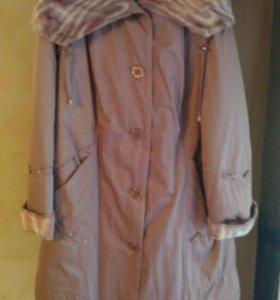 Пальто на женщину 56р