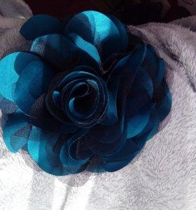 Стильная роза-брошь