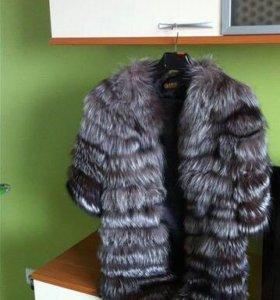 Меховое пальто (жилетка) из чернобурки