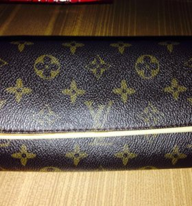 Клатч Louis Vuitton б/у