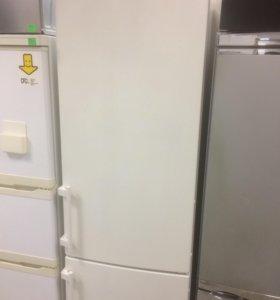 Холодильник LIBHHER 2m !