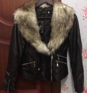 Новая Куртка весна-тёплая осень S