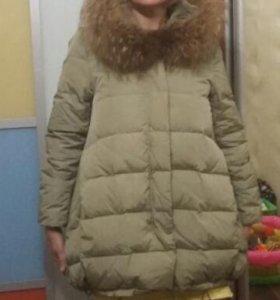 Куртка зимняя новая  на пуху.