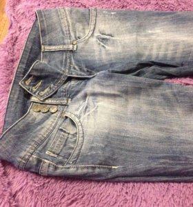 Продаются джинсы
