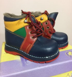 Новые ботинки зима р.22