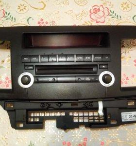 Штатная оригинальная магнитола Mitsubishi 8701A261