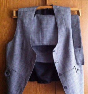 Классическая юбка и жилетка.