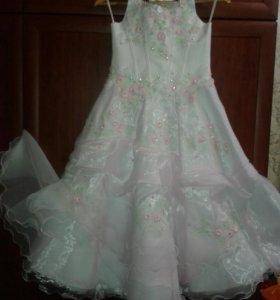 Платье(в хорошем состоянии).