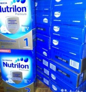 Сухая молочная смесь Nutrilon