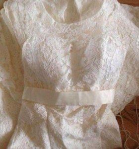 Изящное кружевное свадебное платье