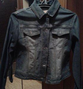 Джинсовая куртка б/у