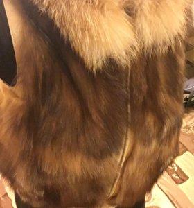 Меховой жилет из лисы, жилетка