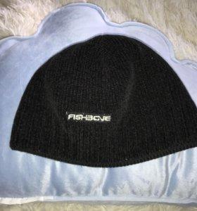 2 мужские шапки
