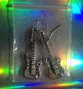 Серьги-гитары