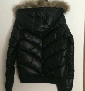 куртка АДИДАС в отличном состоянии.очень тёплая.