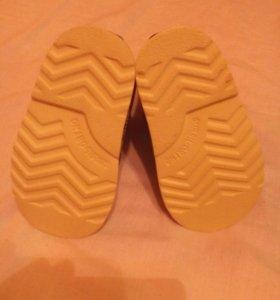 Ботинки ортопедические, новые.